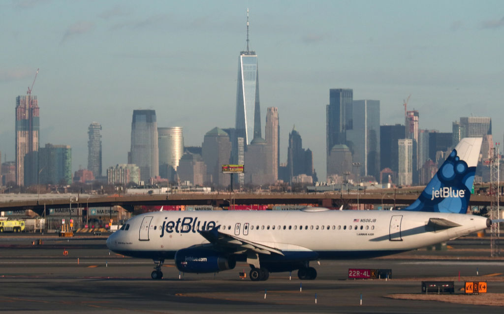 Orlando-bound JetBlue flight makes emergency landing at JFK